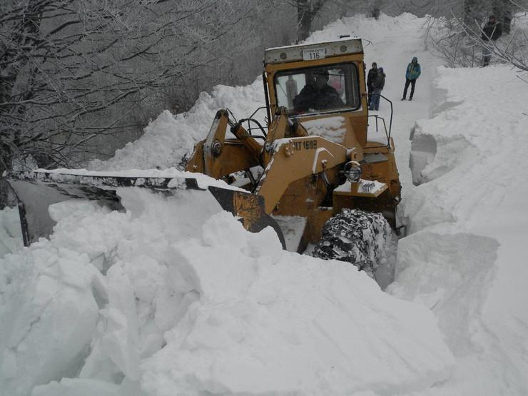 NOVA VAROS 01 smetovi tvrdi kao beton ciscenje snega u jasenovu foto zeljko dulanovic