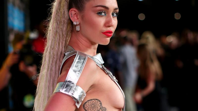 MTV Video Music Awards 2015: Miley Cyrus