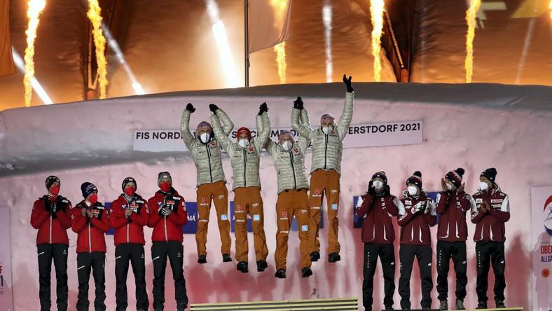 Austriacy (srebrny medal), Niemcy (złoty medal) i Polacy (brązowy medal) PAP/Grzegorz Momot