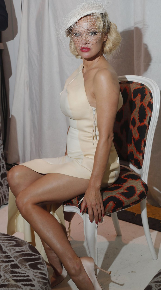 Pamela Anderson na reviji Vivijan Vestvud
