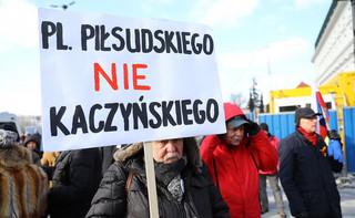 'Tu wolna jest Warszawa'. Protest przeciw budowie pomnika ofiar katastrofy smoleńskiej