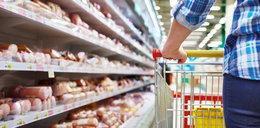 Supermarkety moczyły jedzenie w wybielaczu!