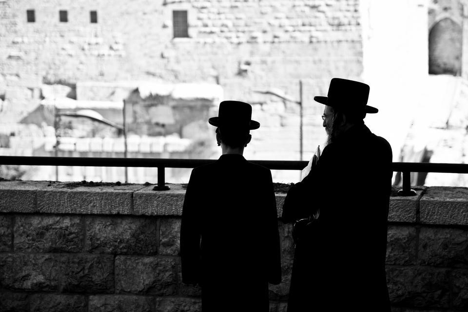 Obok siebie żyją tutaj ortodoksyjni Żydzi, Muzułmanie, chrześcijańscy Palestyńczycy, a każde inne wyznanie i religia ma tutaj swój własny kościół.