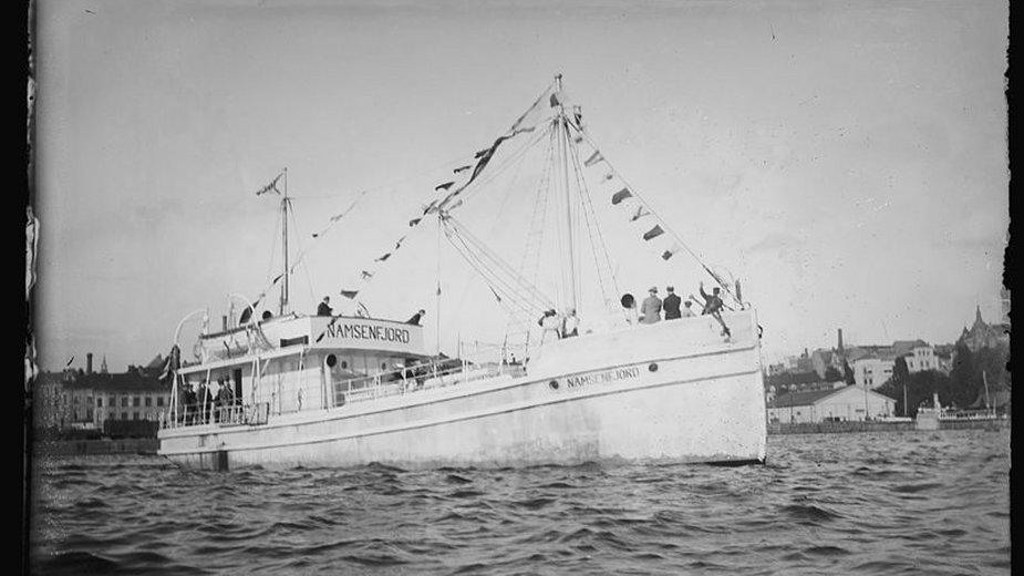 Norweski statek Namsenfjord - domena publiczna