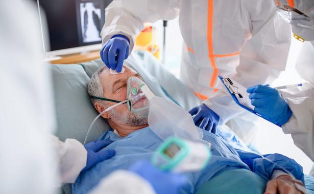 Pacjent chory na Covid-19 w szpitalu