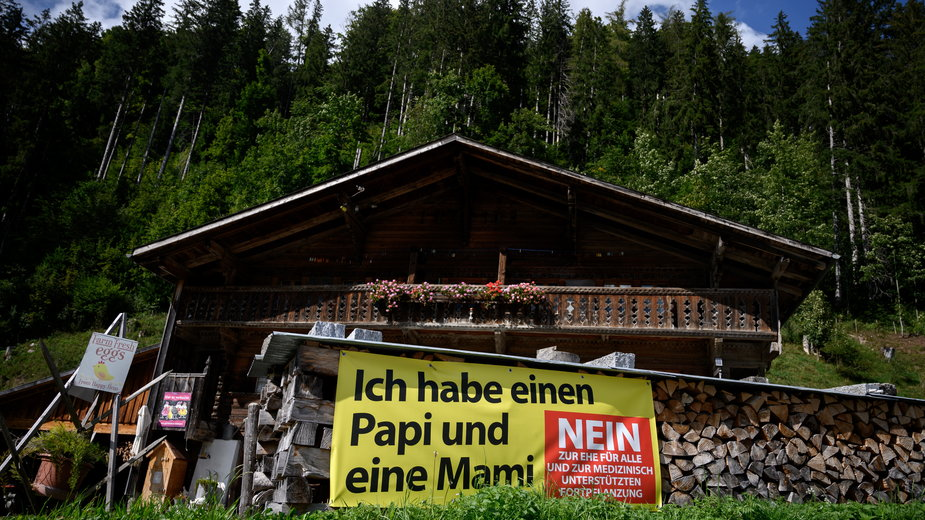W Szwajcarii odbywa się ostra kampania zwolenników i przeciwników małżeństw homoseksualnych
