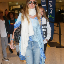 Heidi Klum zaliczyła wpadkę modową. Zrobiła sobie coś w szyję czy to tylko taki szal?