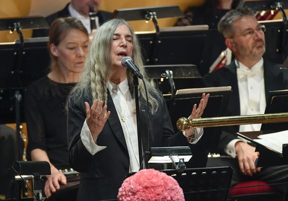 Snažna i kad je ranjiva: Peti Smit je u Stokholmu pevala