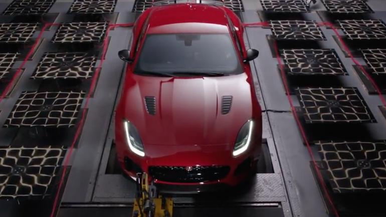 Jaguar F-Type SVR tworzy sztukę