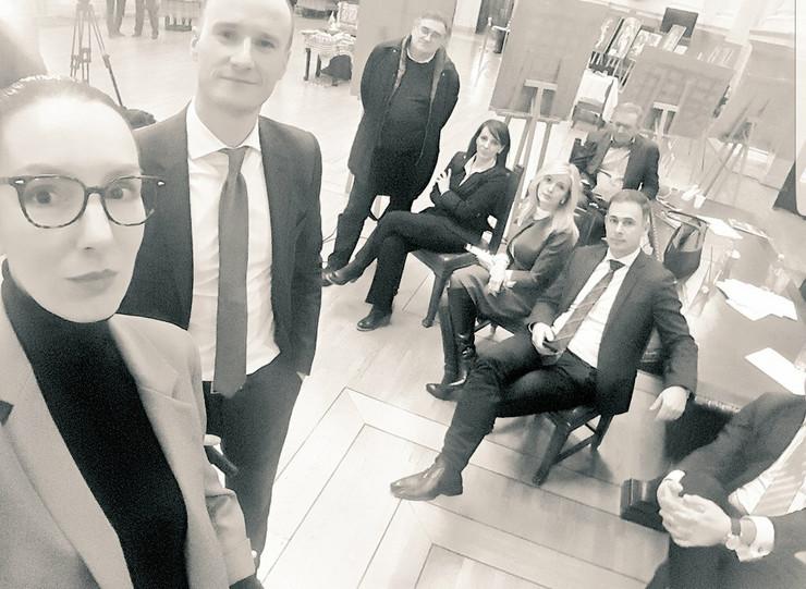 Poslanici opozicije prenoćili u Skupštini Srbije