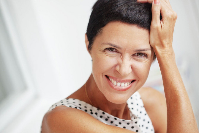 Postoji prirodno rešenje za vraćanje života sedoj kosi
