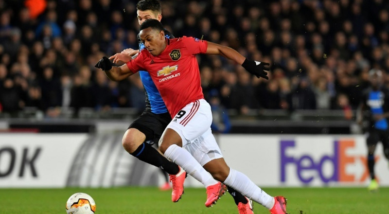 Solskjaer puts faith in Martial after Rashford setback
