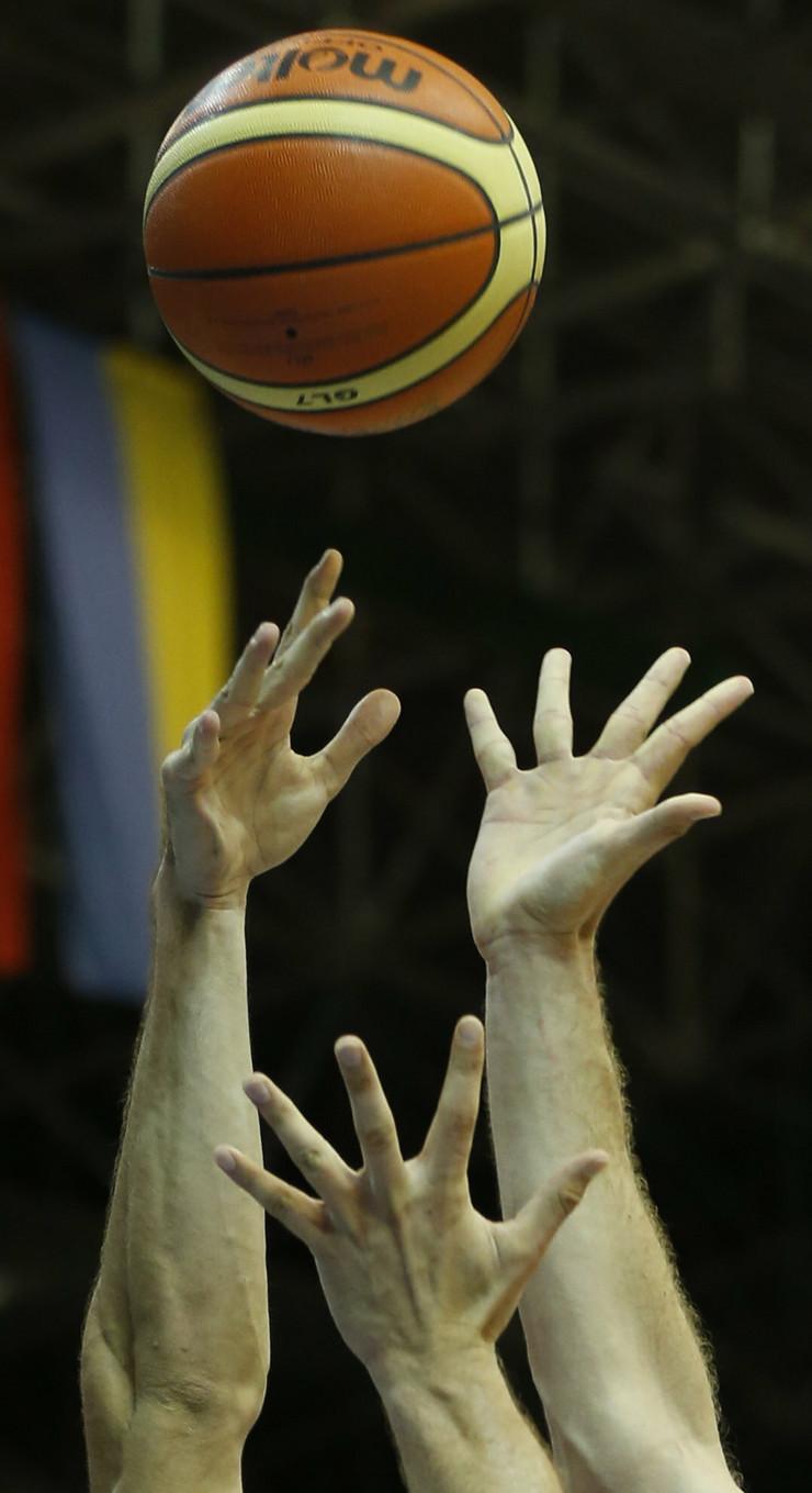 375341_basket205apfoto-petr-david-josek