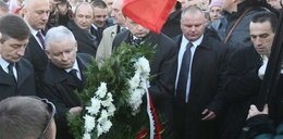 Kaczyński złożył wieniec przed Pałacem