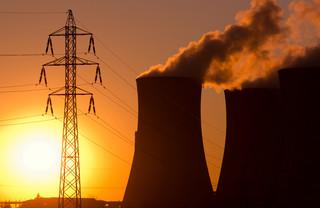 Naimski: Budowa elektrowni atomowej nie wyklucza zakupu małych reaktorów