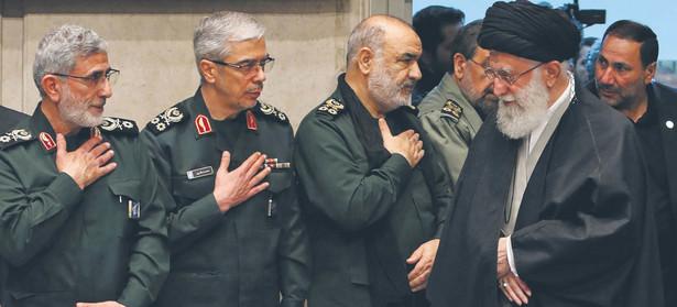 Władze w Teheranie próbują budować pozycję negocjacyjną w rozmowach z Zachodem o swoim programie atomowym