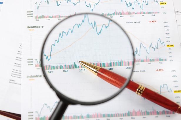 Optymizmem napawa zachowanie indeksu S&P 500, gdzie osiągane są coraz wyższe poziomy w trwającym trendzie wzrostowym.
