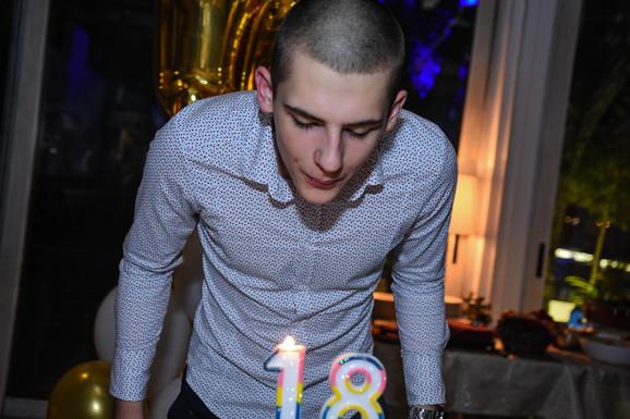 Jovan Paunović na proslavi svog 18. rođendana