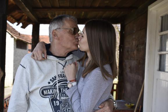 SRBIJA BRUJI O NJIMA Milojko (74) i Milijana (21) za