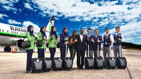 Modlitwa przed startem, stewardesy w hidżabach i brak alkoholu - wystartowały Rayani Air