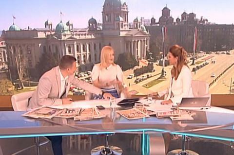 Jelena Rozga razotkila u proglamu šta joj je voditelj Srđan Predojević uradio ispod stola! VIDEO