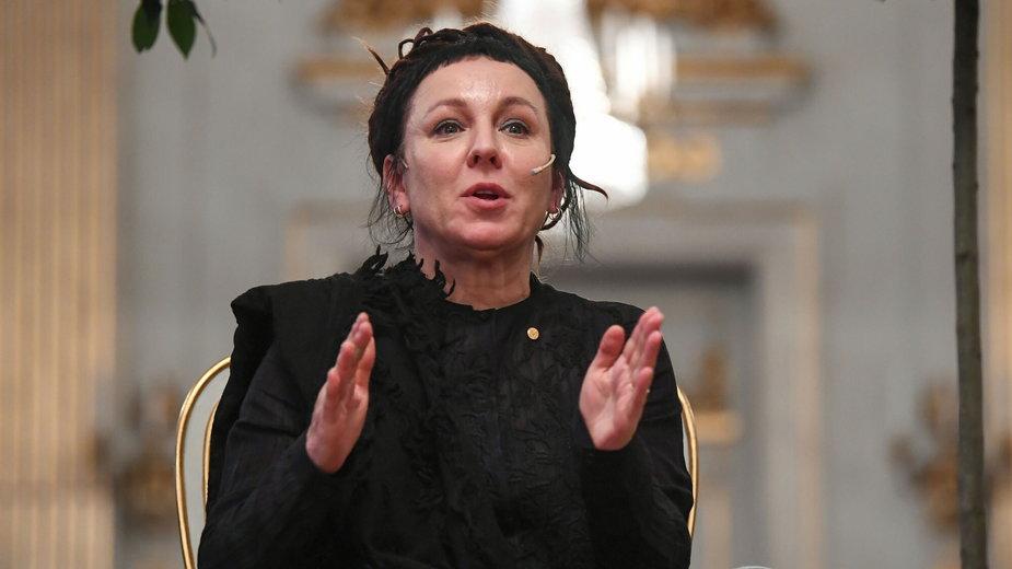 Olga Tokarczuk na konferencji prasowej w Sztokholmie