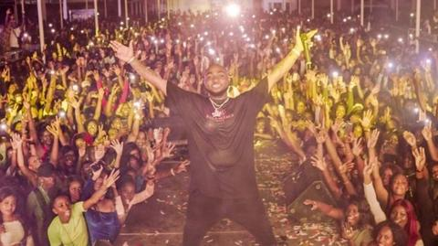 Davido in Suriname [BBC]