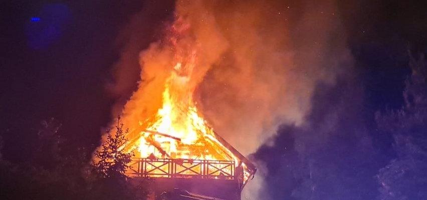 Straszna noc w Pasymiu. Ogień odciął drogę małżeństwu, zginęli w płomieniach