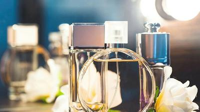 Est-il dangereux pour la santé de mettre du parfum?