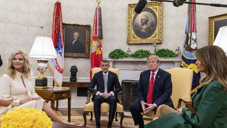 Małżonki prezydenta USA i premiera Czech spotkały towarzyszyły swoim mężom na spotkaniu w Waszyngtonie...