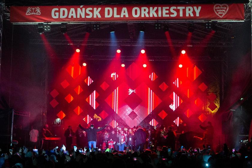 Paweł Adamowicz dźgnięty nożem na scenie podczas finału WOŚP