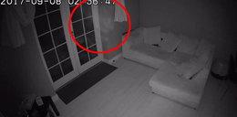 Przerażające wideo. Przyłapał ducha w swoim salonie