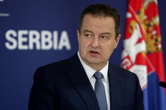 Dačić:  Oko 2.000 ljudi smo vratili avionom, još toliko bi da dođe u Srbiju