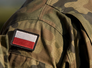 Zakaz noszenia mundurów przez uczestników niszczycielskich zgromadzeń [Projekt MON]