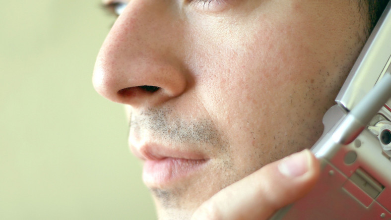 Czy rozmowy przez telefon mogą szkodzić?