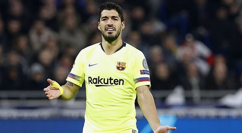 Champions League: Fans roast Luis Suarez on Twitter after his horror show in Lyon Vs Barcelona