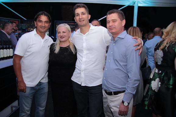 Zlatko Dalić, Ivana Jovanović, predsednica Sportskih igara mladih za Srbiju, Zdravko Marić, regionalni predsednik SIM i Zoran Bogdanović