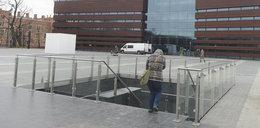 Bubel parkingowy przy Narodowym Forum Muzyki?