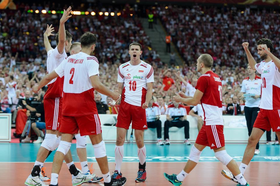 Polscy siatkarze podczas meczu z Serbią