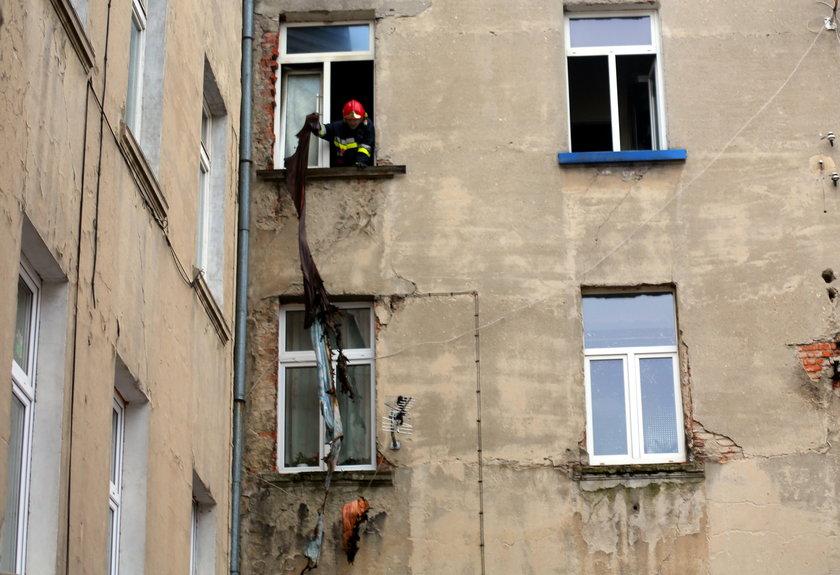 Pożar w kamienicy przy ul. Żeromskiego w Łodzi. Mężczyzna spłonął w łóżku
