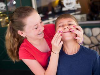 NFZ walczy z dziecięcą próchnicą. Wzrostną stawki za małych pacjentów