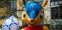 Wandale demolują maskotki mundialu