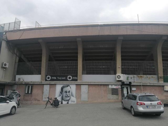 "Mural posvećen Dušanu Trbojeviću, ""čika Trbi"", na stadionu FK Partizan"