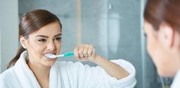 Myjesz zęby po posiłku? To błąd!