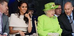 Księżna Meghan bez męża na oficjalnym wyjściu z królową. I zaliczyła wpadkę...