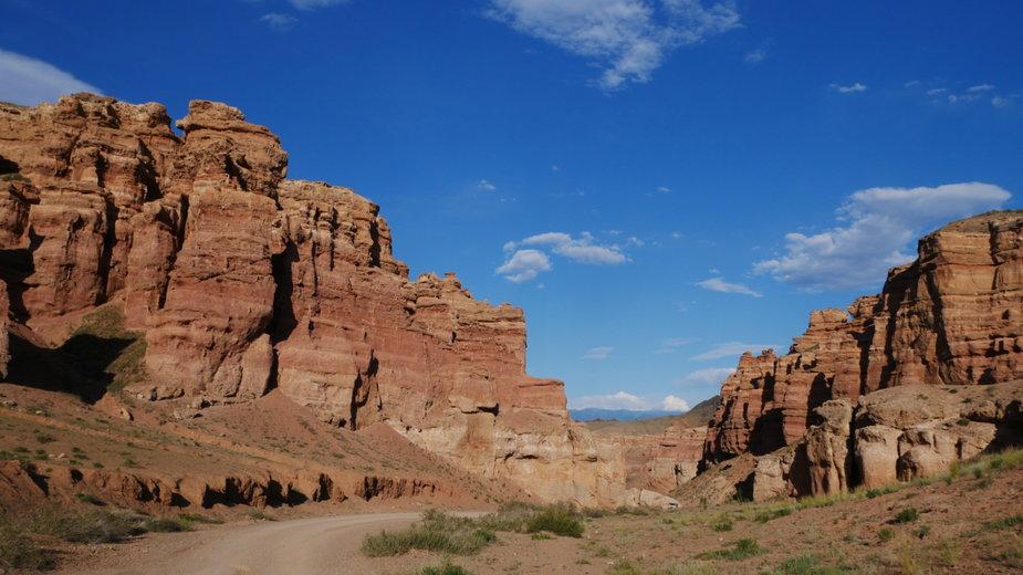 Kanion Szaryński to jedna z najpiękniejszych i najsłynniejszych atrakcji Kazachstanu.
