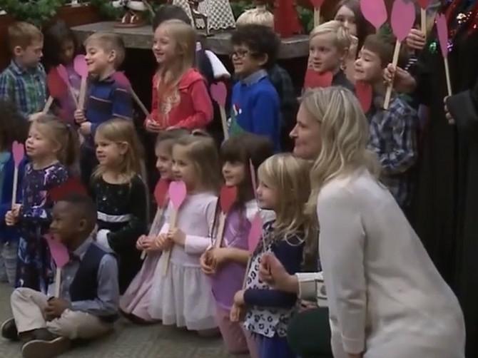 Scena iz suda koja je rasplakala ljude: Dečak koji nema roditelje pozvao CEO VRTIĆ da vide njegovu NAJVEĆU SREĆU