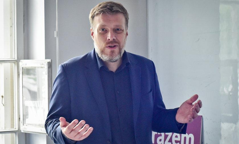 Adrian Zandberg z Partii Razem.