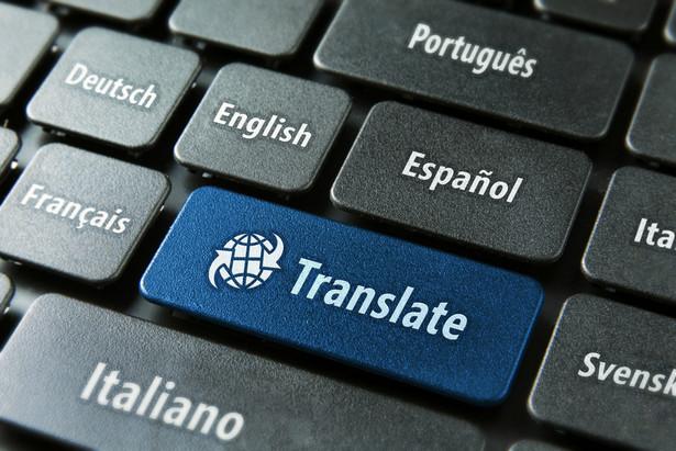 25 proc. tłumaczy zarabia w Polsce ponad 5,7 tys. złotych brutto miesięcznie (wynagrodzenia.pl)
