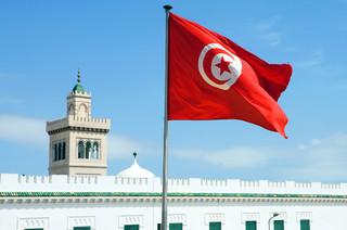 Pięciu policjantów rannych w ataku na ambasadę USA w Tunezji